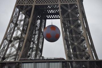 Calculs du ballon géant du lancement de l'Euro 2016